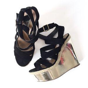 Steve Madden black and gold platform sandals